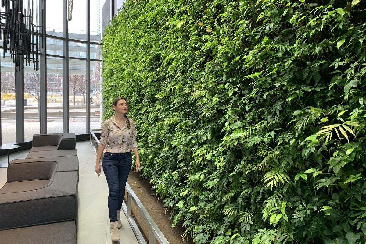 A Toronto Resident Creates Vertical Gardens for Condos
